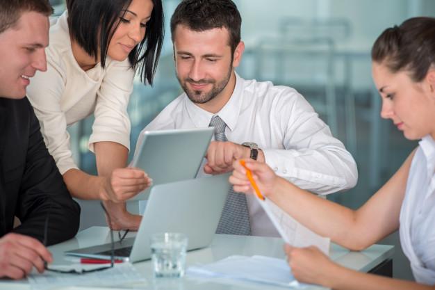 Nakup podjetja opravite s pomočjo usposobljenih finančnih svetovalcev