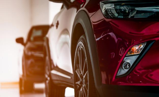 Veliko centrov za prodajo avtomobilov sedaj nudi dvojno storitev