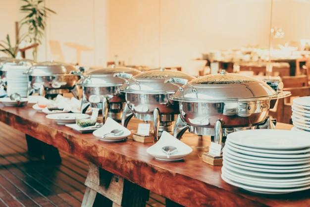 Cena catering na osebo – preverite na spletni strani ponudnika