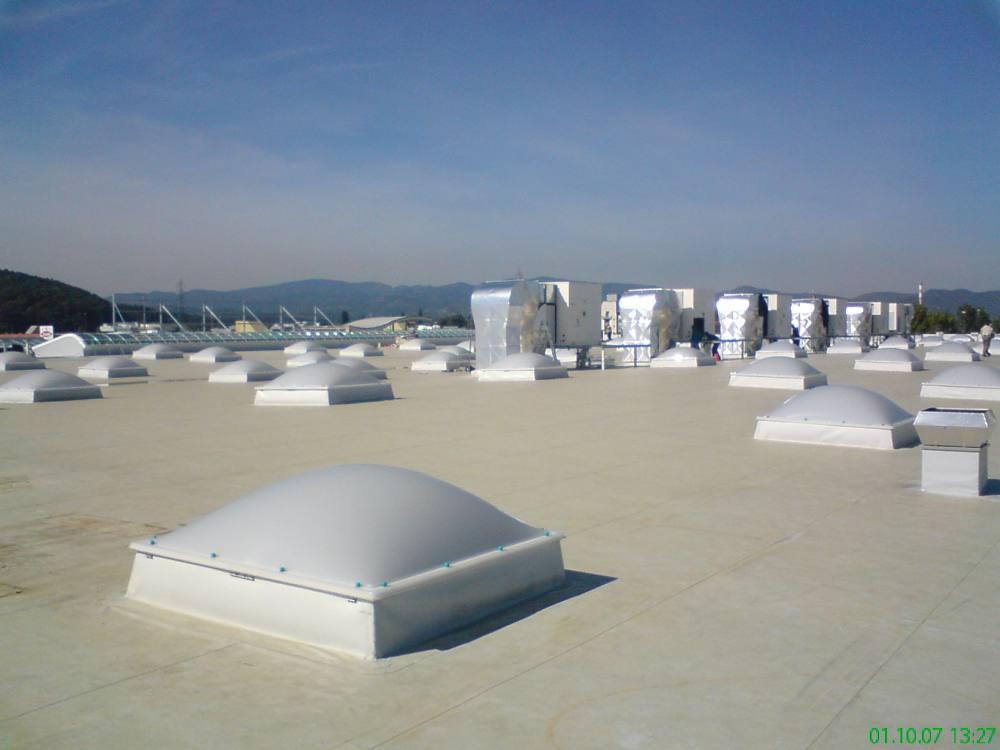 Montaža polikarbonat plošč, kupol in svetlobnih trakov