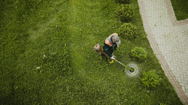 Zmogljivo orodje za enostavno košnjo trave