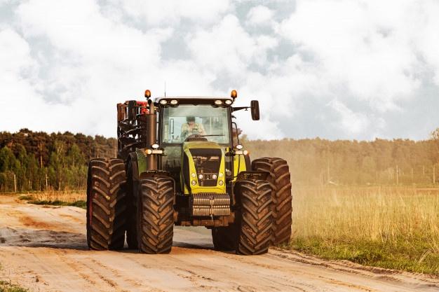 Vzdržljivi traktorji z dolgo življenjsko dobo