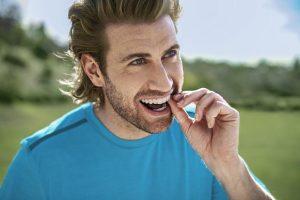 Nevidni zobni aparat Invisalign ima predvsem to prednost, da je pri uporabi povsem neopazen!