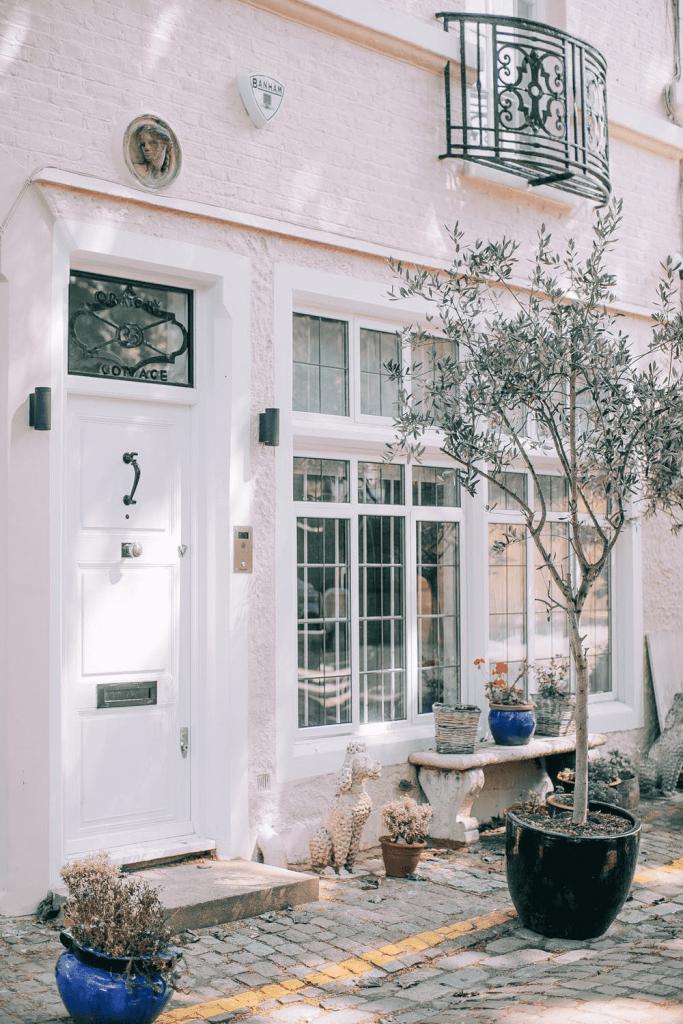Vhodna vrata za hišo morajo pustiti močan vtis